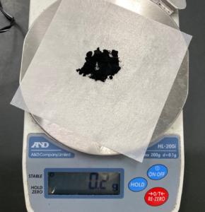炭素0.2g